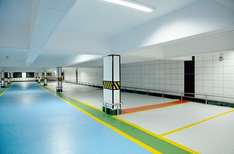 Cosmopolitan Club Installs a Colourful Car Park Coating
